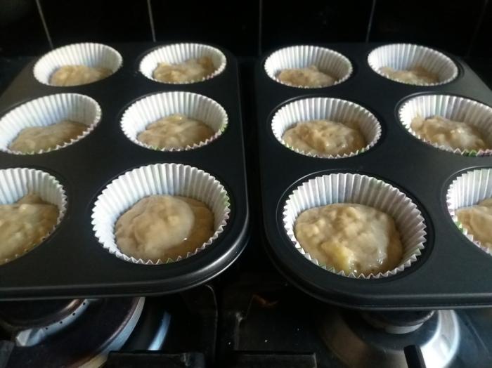 Banana Crumb Muffins 19