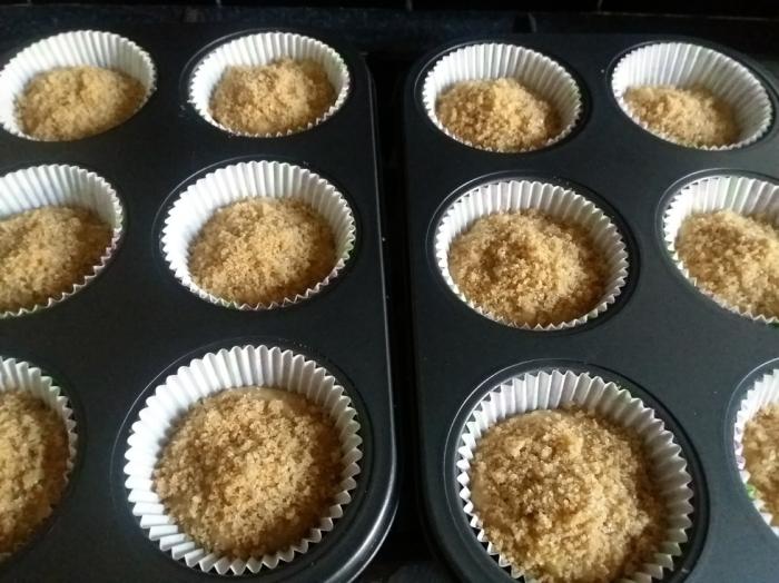 Banana Crumb Muffins 25